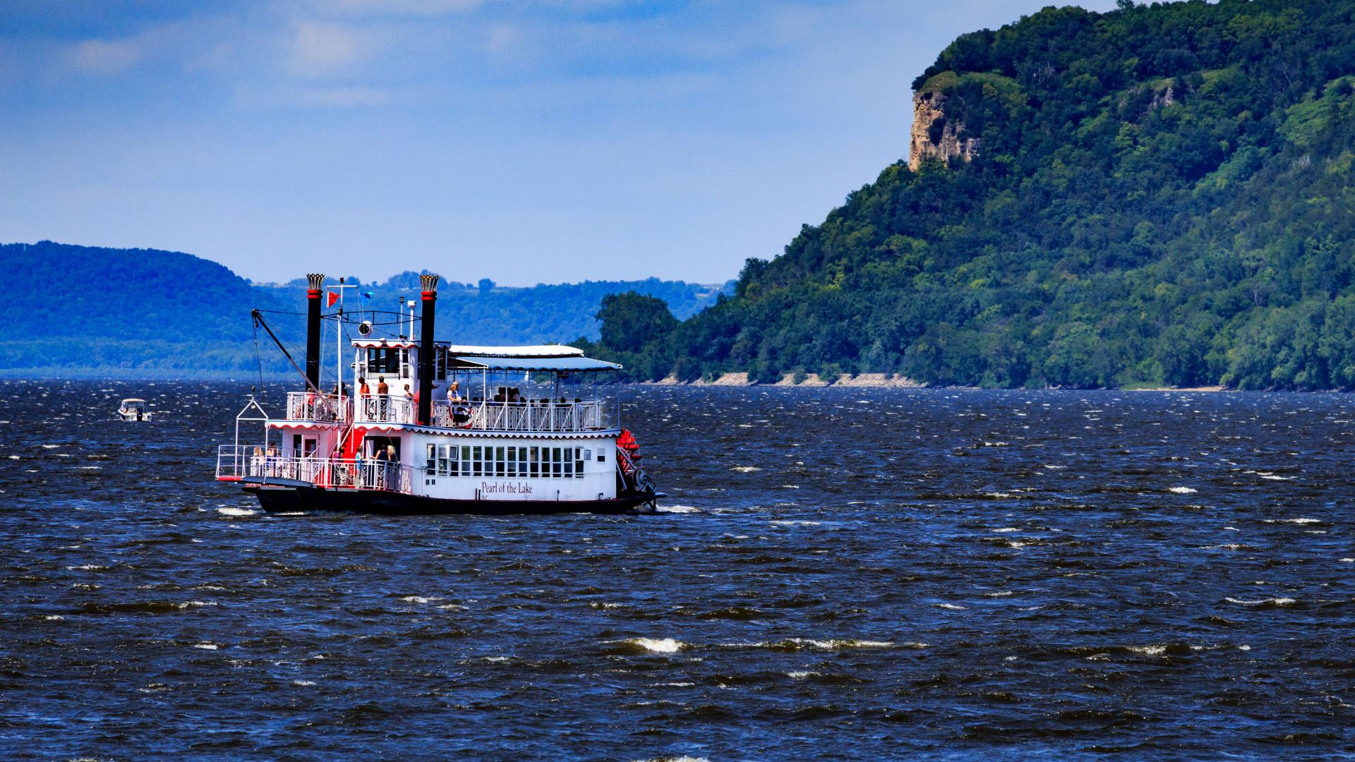 Paddlewheel boat on Lake Pepin