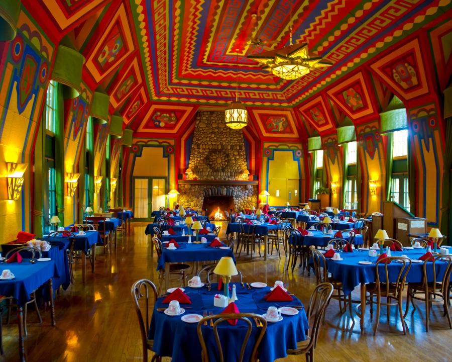 The colorful yet formal Naniboujou Lodge dining room in Grand Marais / Spruce Creek Photography