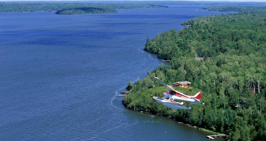 float plane over oak island and lake of the woods