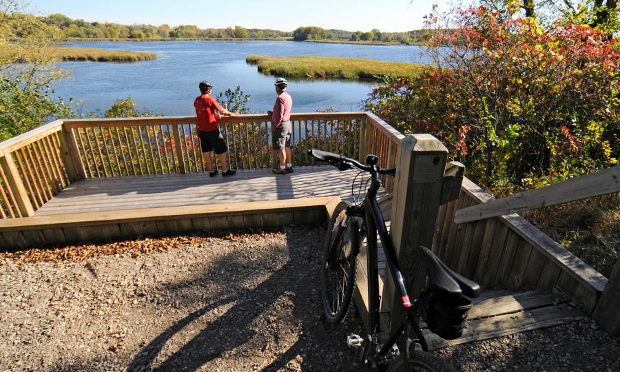Fall bikers Carver Park Reserve