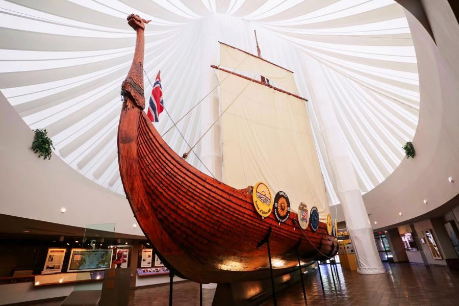Hjemkomst Viking ship