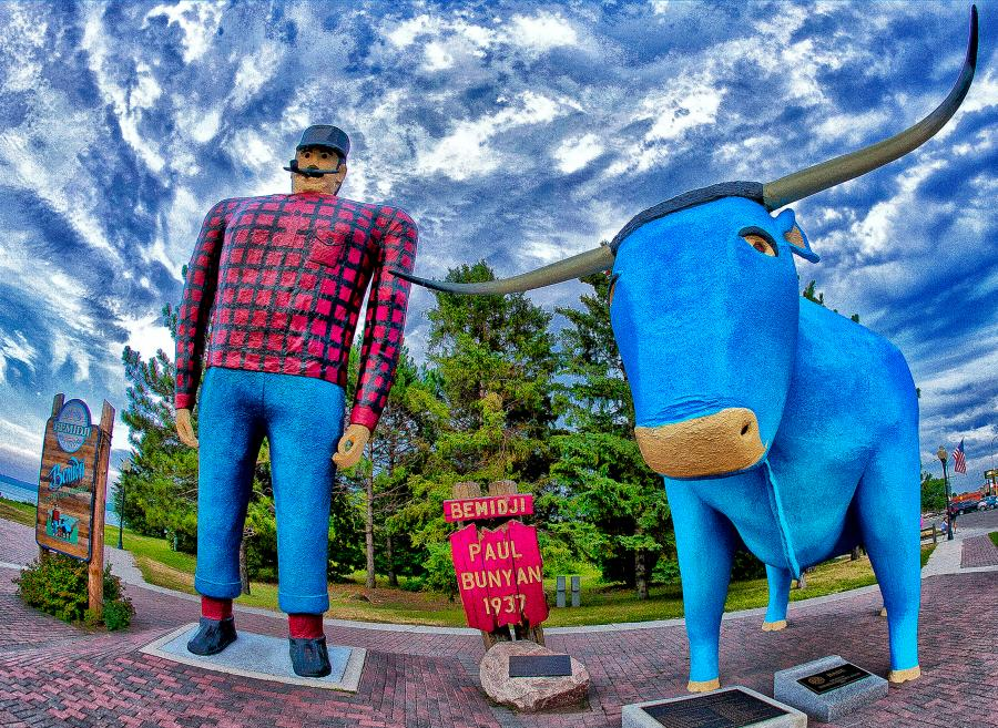 A statue of Paul Bunyan and Babe the Blue Ox in Bemidji