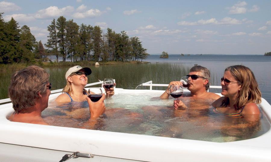 Rainy Lake Voyageurs National Park houseboat hot tub