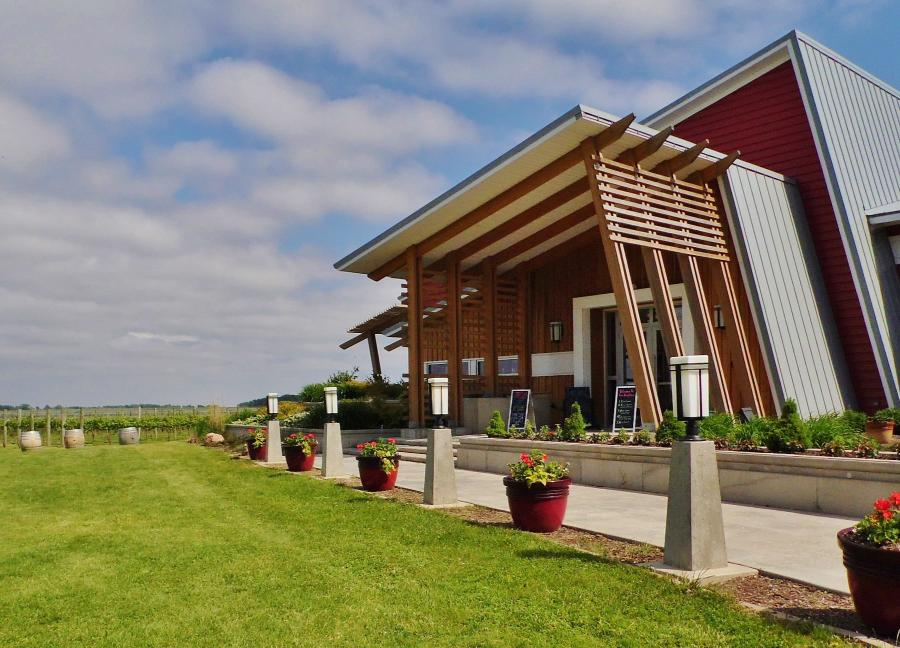 Outdoor view of Four Daughters Winery