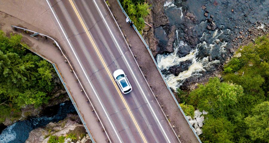 Temperance River State Park aerial car driving
