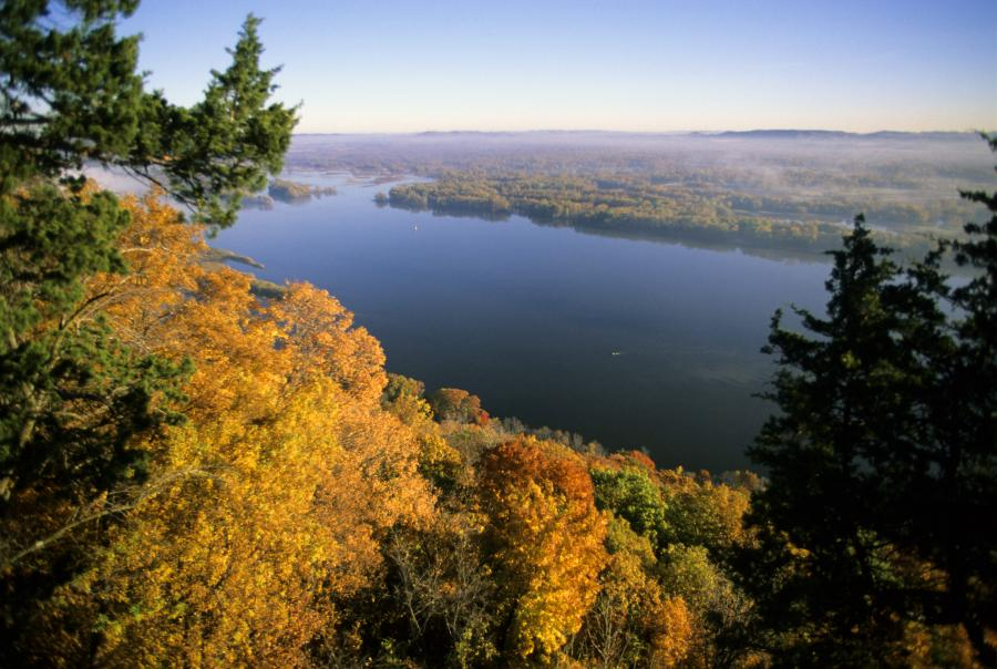 Scenic overlook of the Mississippi River from Great River Bluffs State Park