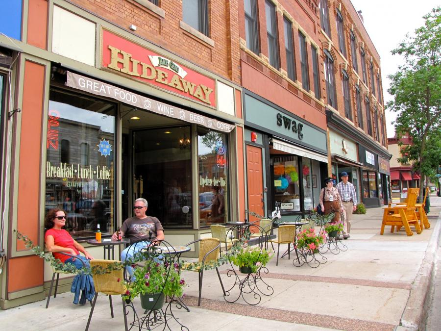 Downtown Northfield shops and restaurants