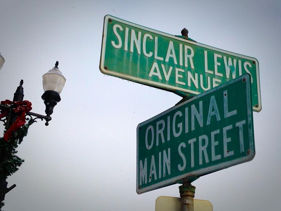 Sinclair Lewis and Main Street signs in Sauk Centre