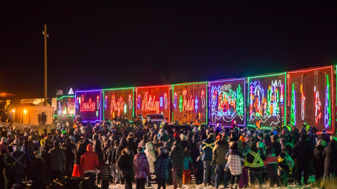 Crowd outside Canadian Pacific Holiday Train