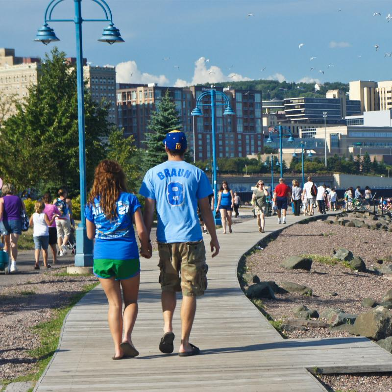 Couple strolling on Duluth Lakewalk