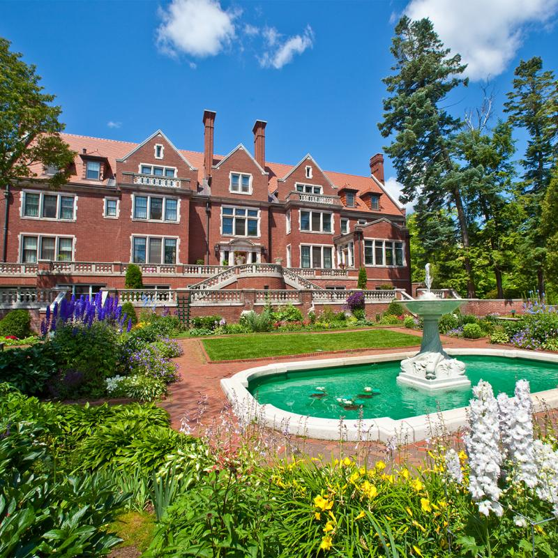 Glensheen Mansion exterior in summer, Duluth